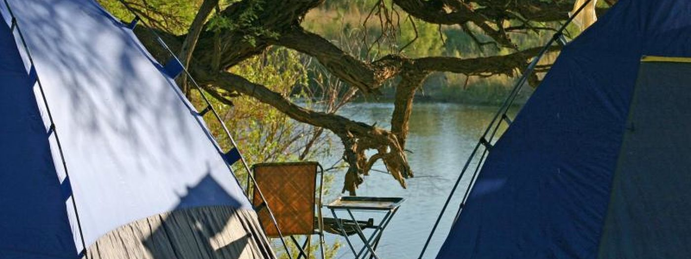 497 Camping On The Banks Of The Orange River