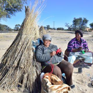 N Cape Kalahari  Bushman  Art  Curios